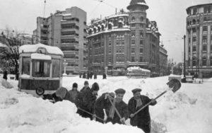 Eliberarea liinilor de-tramvai in Bucuresti 1954